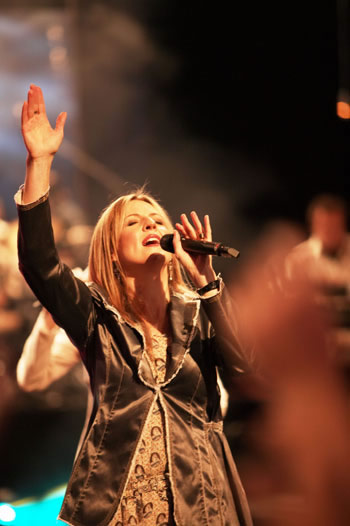 Hillsong - Call on Jesus
